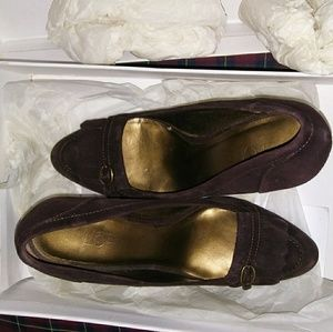 Ann Taylor Pointy Suede Leather Loafers Heels Sz 6